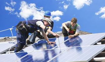 W przyszłym roku przybędzie 100 GW słonecznej mocy