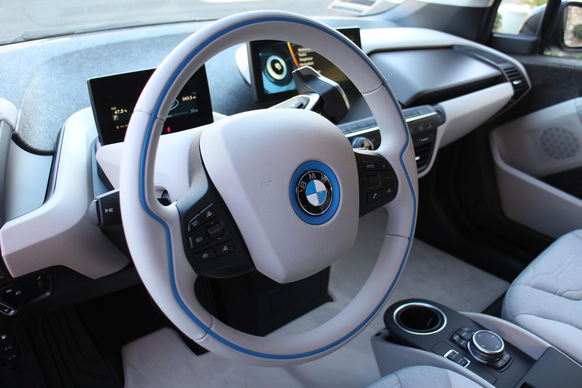W krakowie pojawi si 100 elektrycznych bmw i3 na minuty - Decoracion interior coche ...